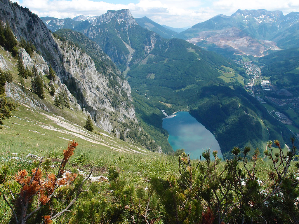 Klettersteig Eisenerz : Rosslochhöhlen klettersteig eisenerz mapio
